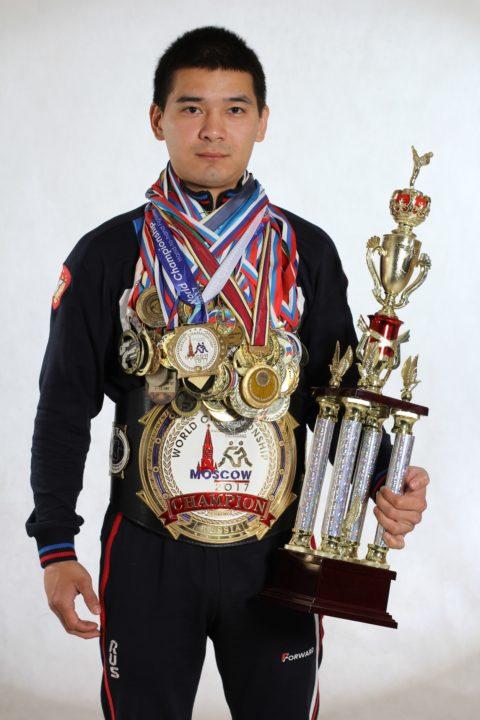 Дмитрий Казыгашев с наградами