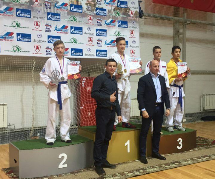 Петров 1 место, Грёзов 2 место
