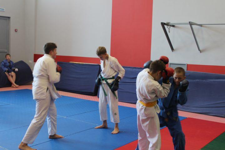В Белгороде прошла аттестация спортсменов по рукопашному бою