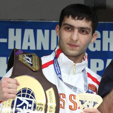 Атмир Хакиров